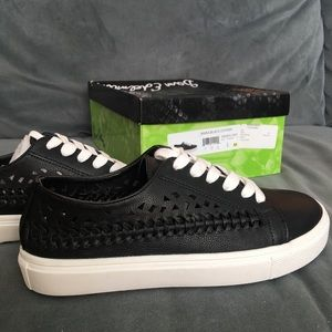 NIB Sam Edelman Raina black lace up sneaker